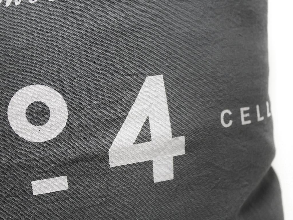 Funda 40×40 nro 4 gris y blanco detalle 2