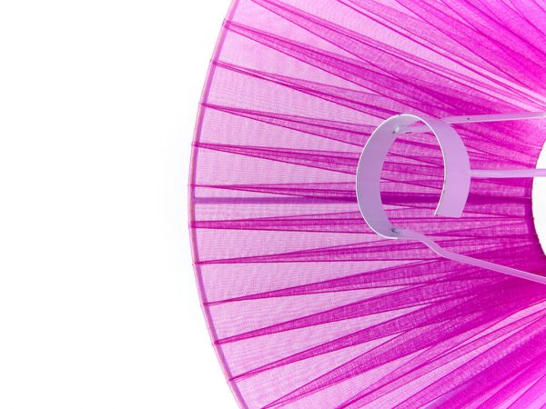 Pantalla 10x25 organza violeta detalle