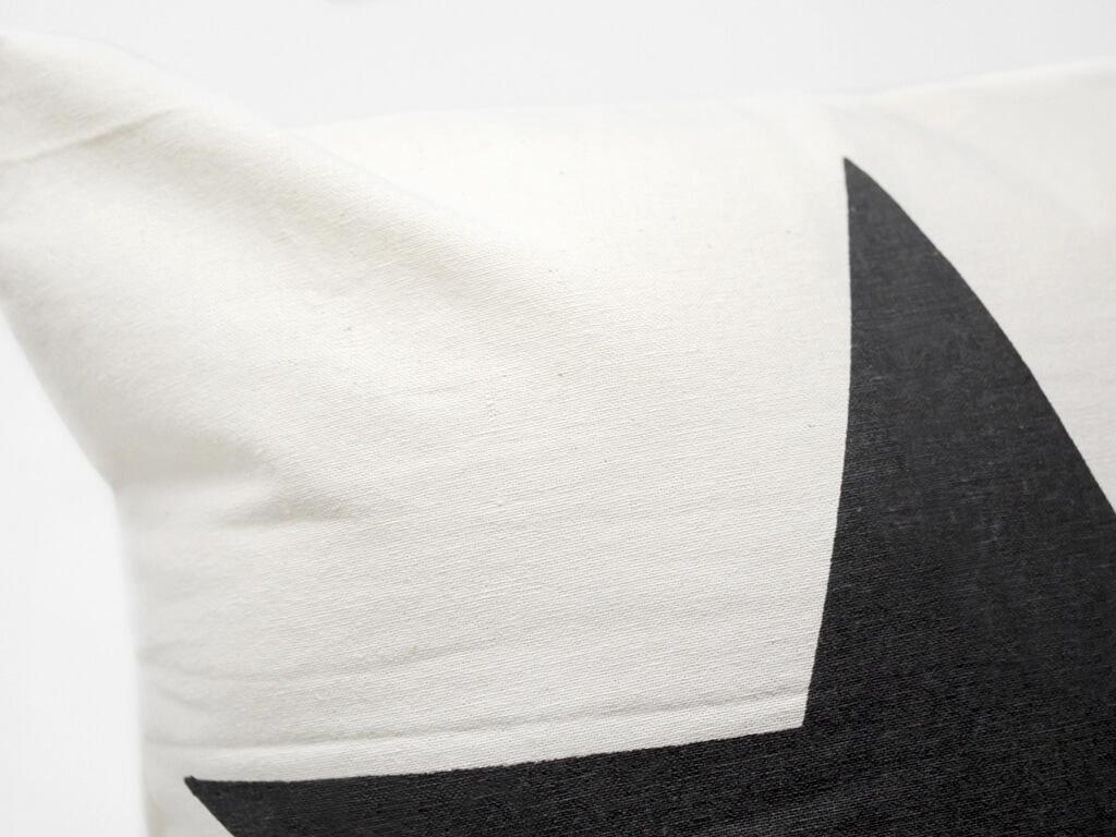 Funda 40×40 natural estrella negra detalle
