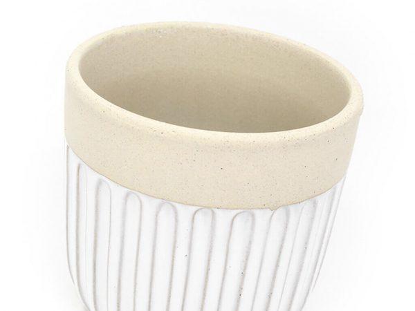 Maceta color blanca con plato 13cm detalle
